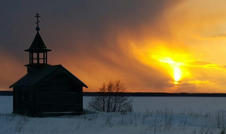 Закат, рожденный на Онеге.